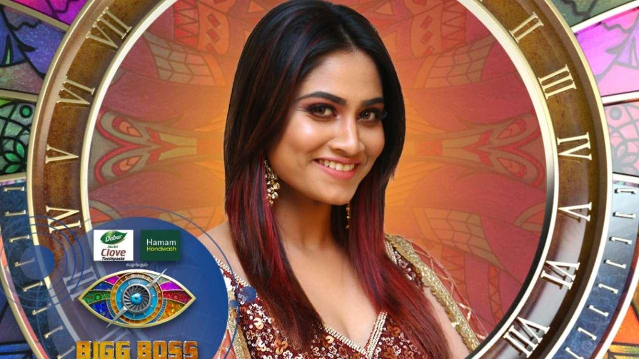 biggbosstamil-season4-contestants-shivani